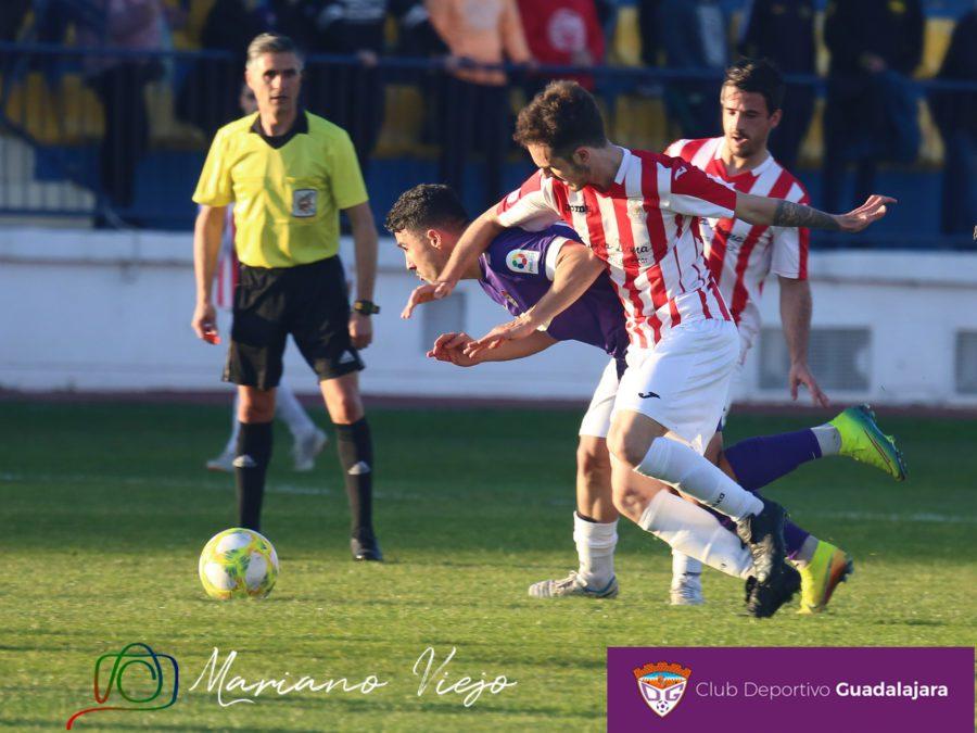 Dos largueros impiden puntuar al Deportivo Guadalajara ante el Atlético Ibañés (0-1)