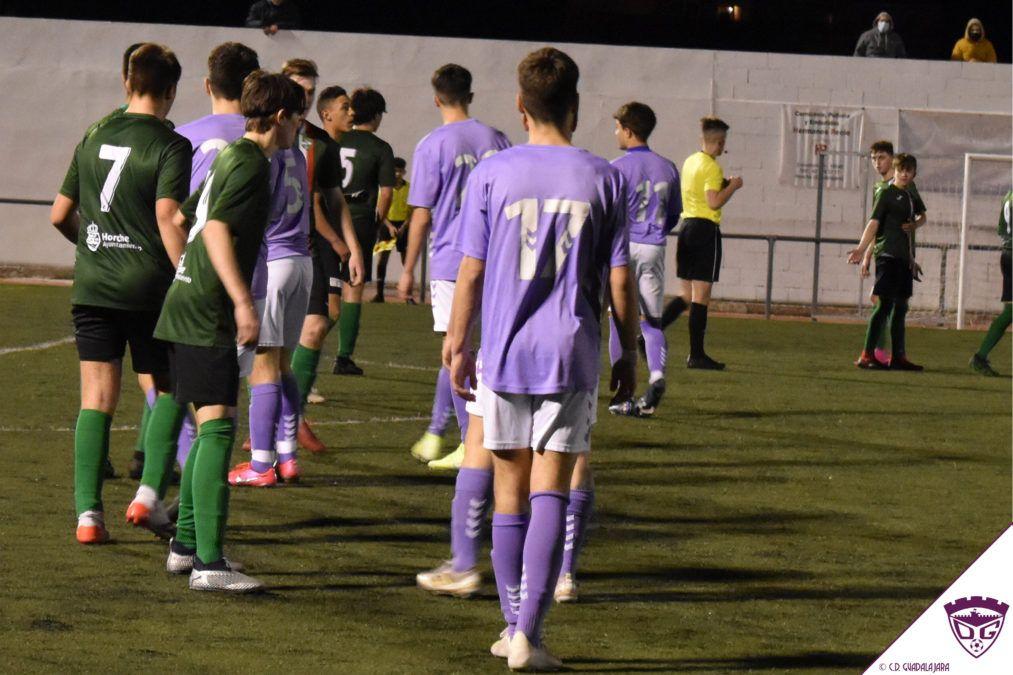 Un error defensivo condena al Juvenil en su visita a Horche (1-0)
