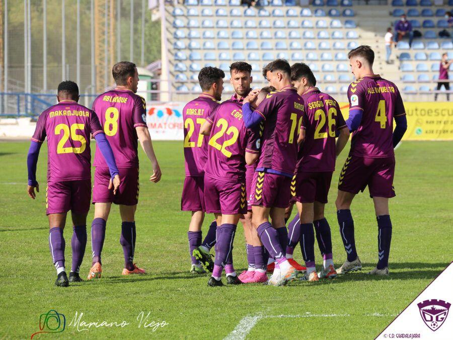 El Dépor se hace fuerte en el Escartín y derrota a La Roda (2-1)